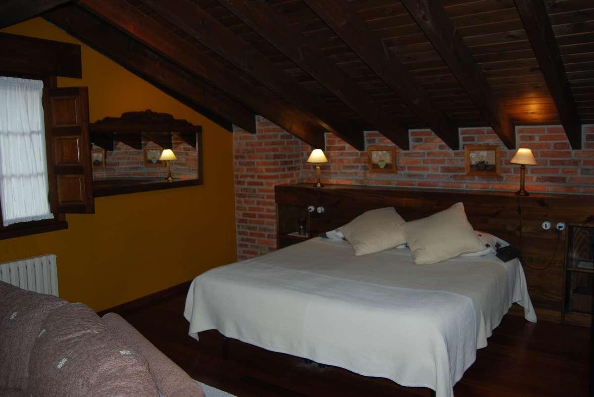 habitación de matrimonio (suite privada) - casa rural en Asturias