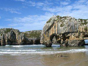 Playas del Oriente de Asturias - Cuevas del Mar
