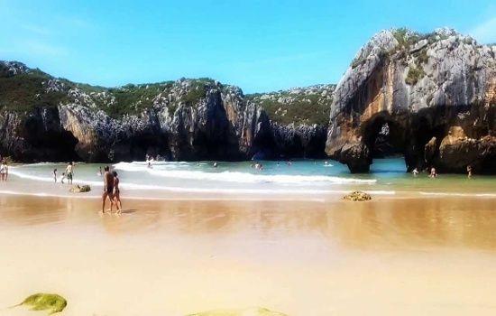 Playa de Cuevas del Mar (Nueva de Llanes)