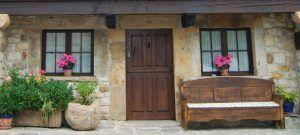 Entrada a La Regenta, tu casa rural en Asturias